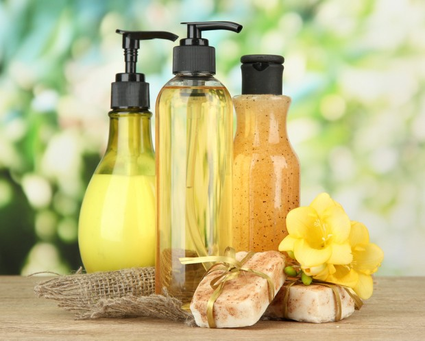 Prevent Aging Hands by Avoiding Chemicals and Using Natural HandSoap